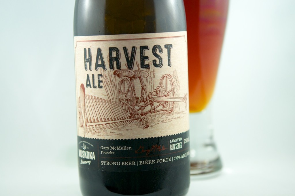 Review Muskoka Harvest Ale (front label)
