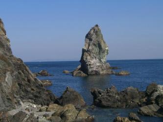 Kamitategami Iwa(上立神岩)