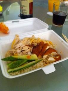 Chicken rice dans sa boite à emporter