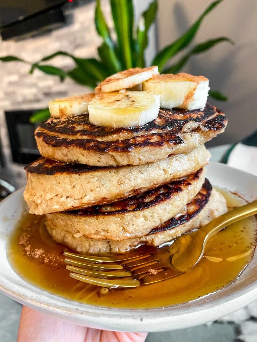 Oatmeal Cinnamon Banana Pancakes