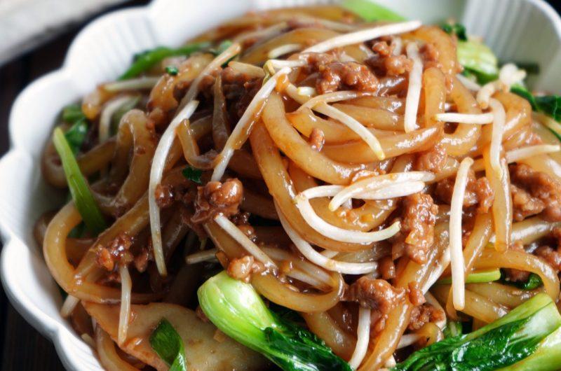 Stir Fry Mee Tai Bak with Minced Meat