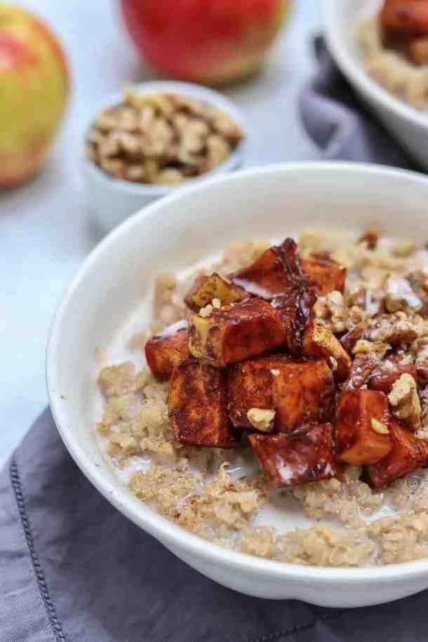 This maple cinnamon quinoa porridge recipe is drool-worthy!