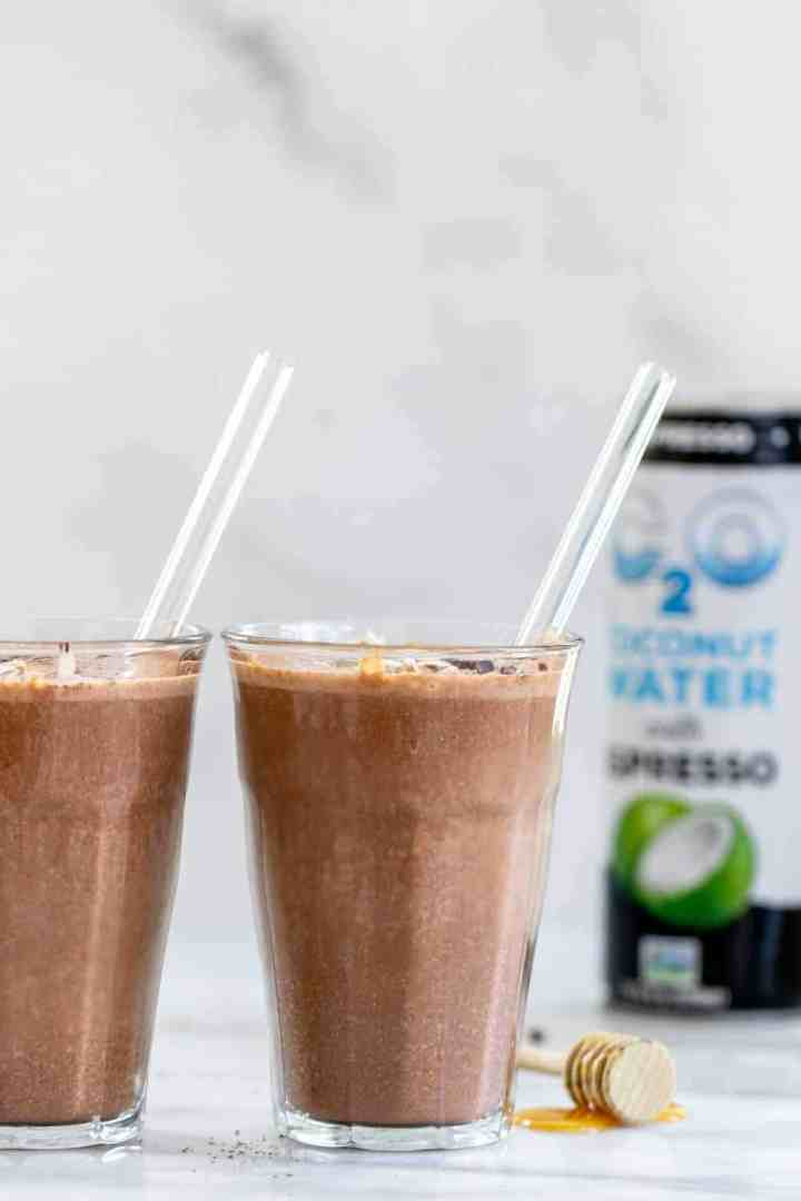 Espresso smoothie with chocolate and coconut water.