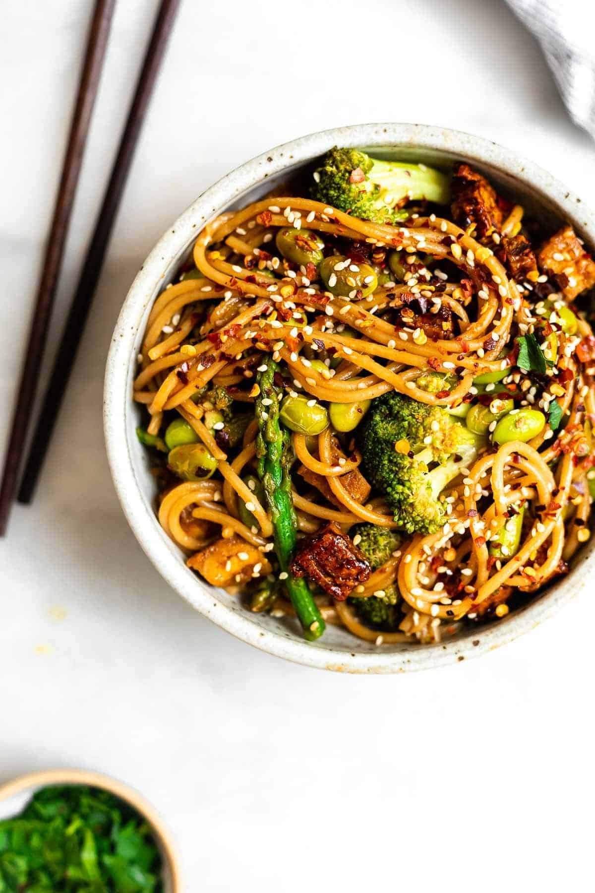 stir fry noodles with broccoli and tofu