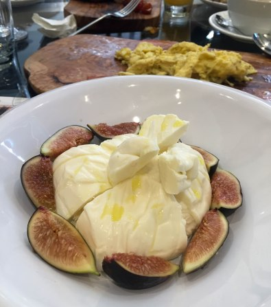 Pulia Barrata with Figs and Figs Marmalade