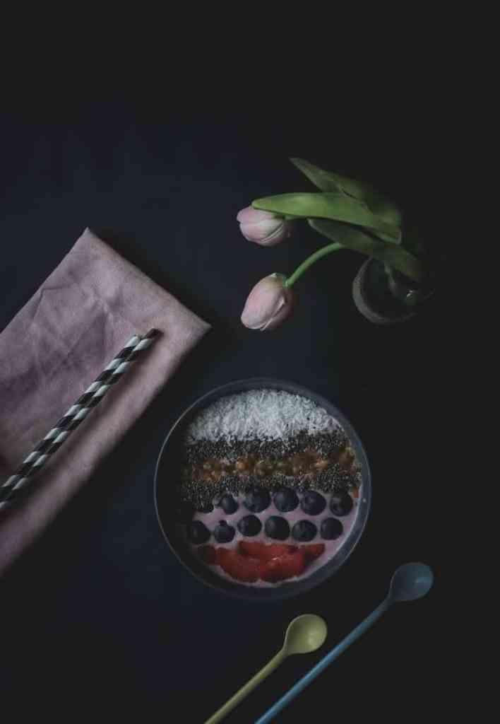 Hormone balancing blueberry smoothie bowl recipe