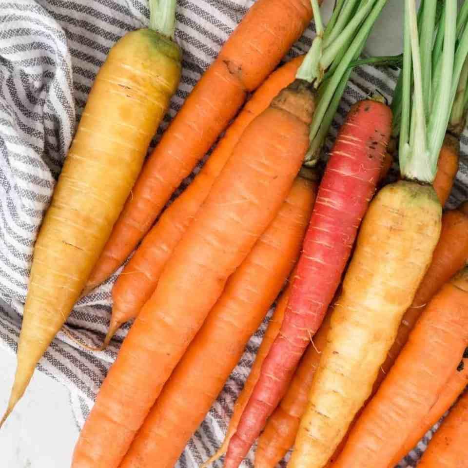 Health and beauty benefits of carrots. Carrots key nutrients. Benefits of carrots. Benefits of raw carrots.