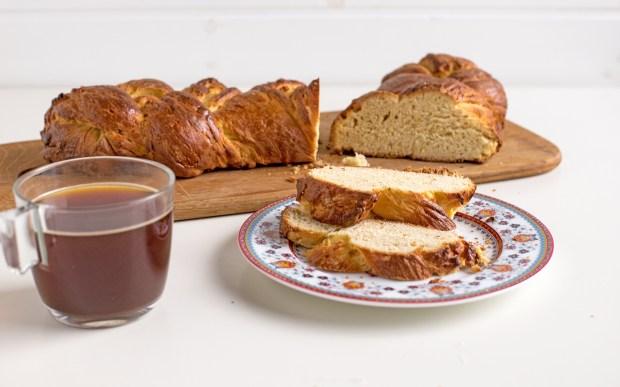 tsoureki easter bread @eatyourselfgreek