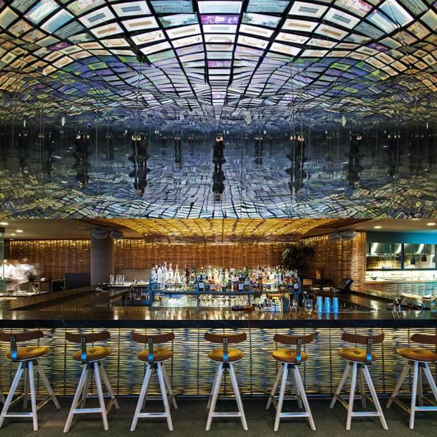 χύτρα restaurant bar