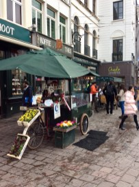 Tierenteyn-Verlent & Cuberdon stalls Ghent @eatyourselfgreek
