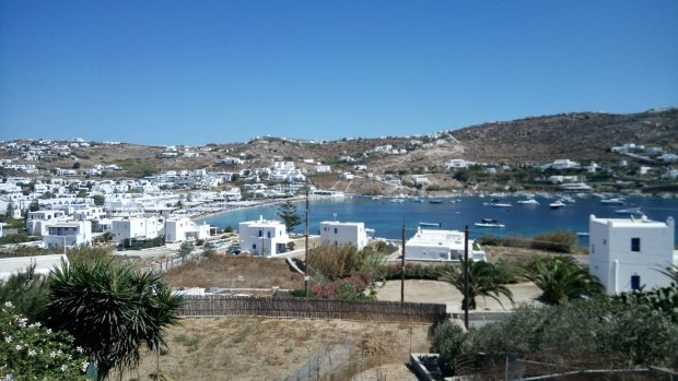 Ornos, Mykonos beaches @eatyourselfgreek