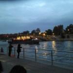Arrivée de la péniche à Paris