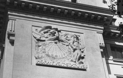 cadran hora fugit palais de justice