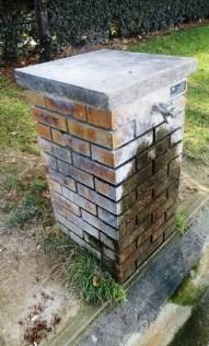 borne-fontaine-en-brique