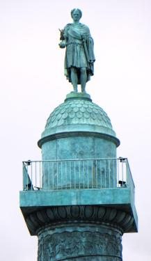 Actuel statue de Napoléon Ier au sommet de la colonne Vendôme
