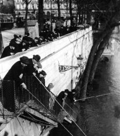 Pendant la crue de la Seine