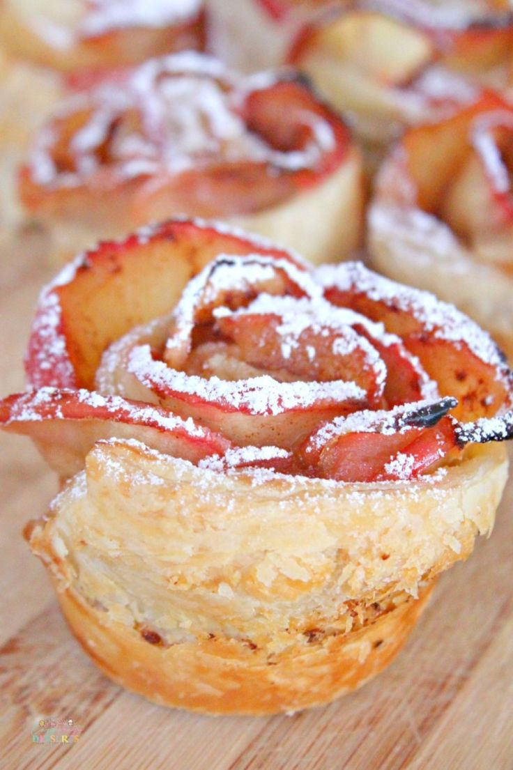 Apple roses puff pastry