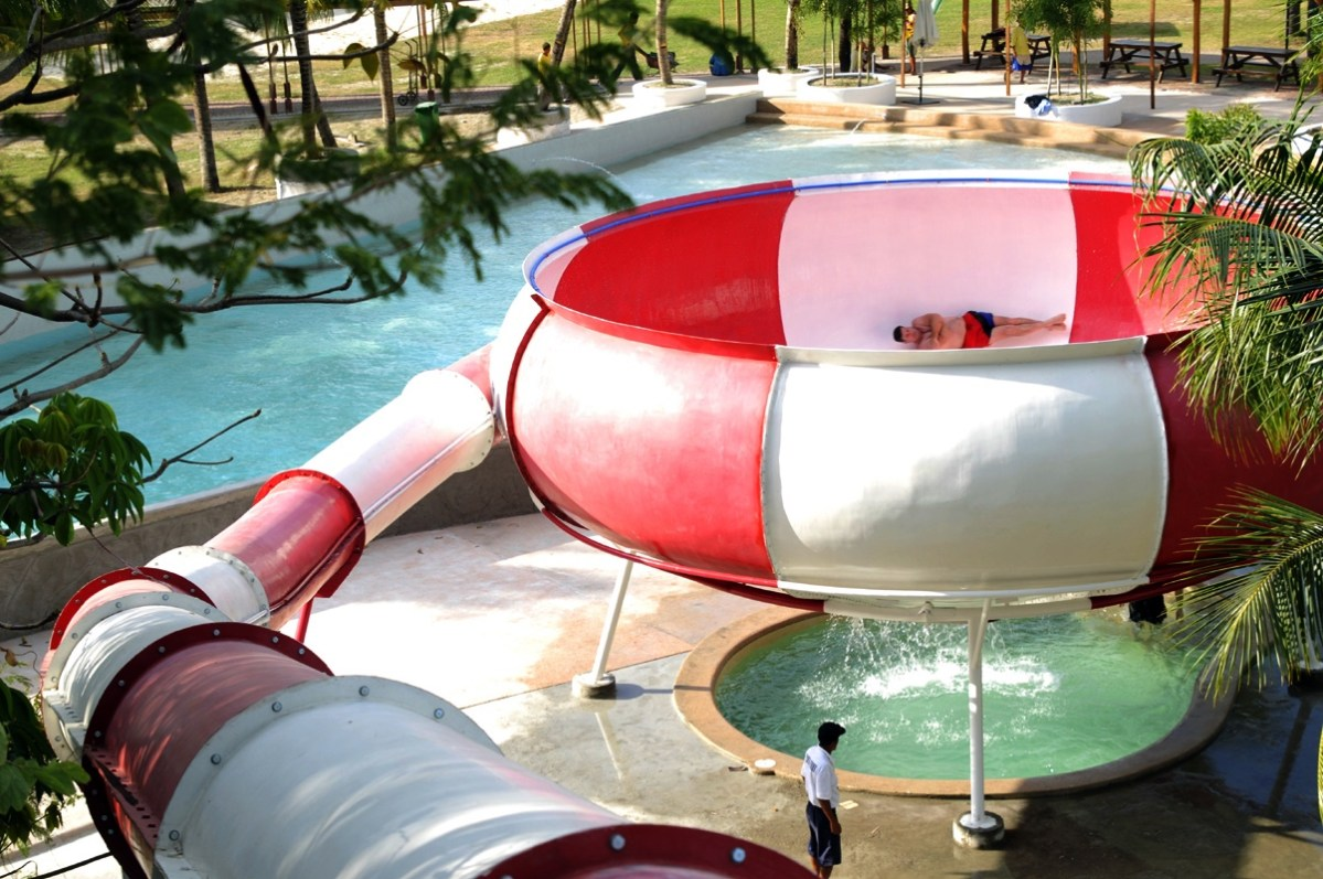 Subic, Zambales: Get Wet and Wild at Whiterock Beach Hotel & Water Park
