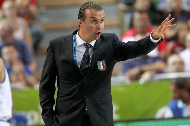 epa03852494 Head Coach Simone Pianigiani of Italy gestures during the EuroBasket 2013 match between Italy and Turkey in Koper, Slovenia, 05 September 2013.  EPA/ANTONIO BAT