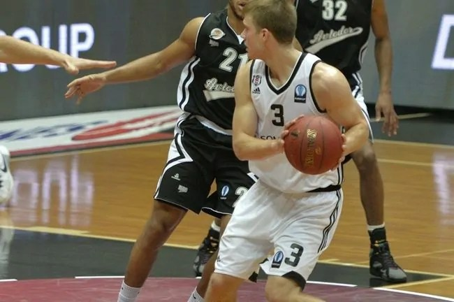 nate-wolters-besiktas-sompo-japan-istanbul-ec15-photo-besiktas