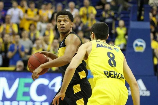 dominic-waters-aris-alba-berlin