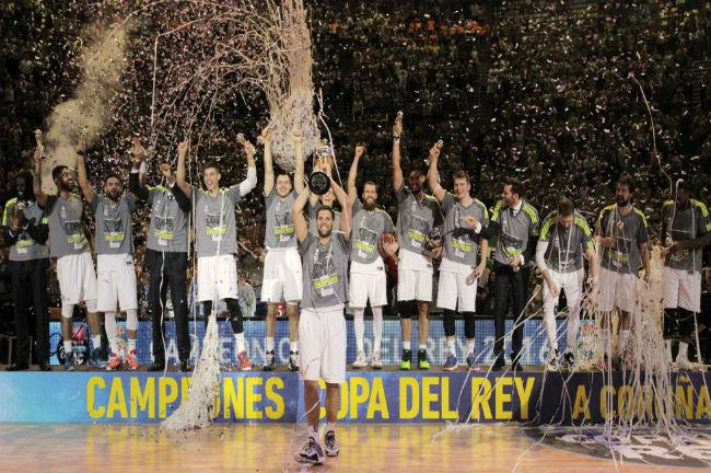 real-madrid-copa-del-rey-trophy-reyes
