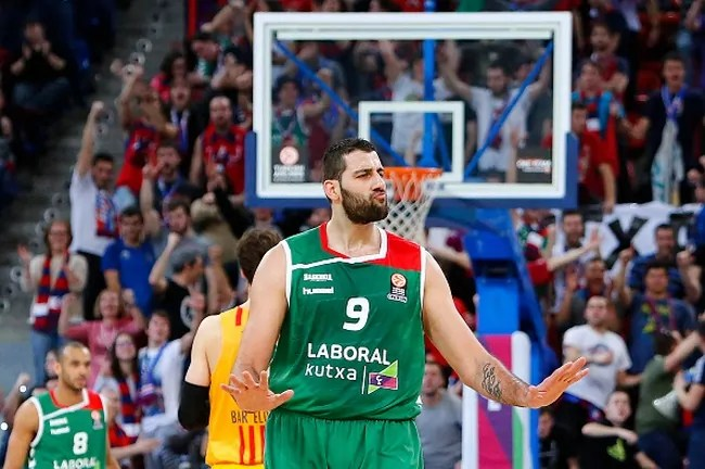 VITORIA-GASTEIZ, SPAIN - MARCH 23: Ioannis Bourousis, #9 of Laboral Kutxa Vitoria Gasteiz gestures during the 2015-2016 Turkish Airlines Euroleague Basketball Top 16 Round 12 game between Laboral Kutxa Vitoria Gasteiz v FC Barcelona Lassa at Fernando Buesa Arena on March 23, 2016 in Vitoria-Gasteiz, Spain. (Photo by Jon Izarra/EB via Getty Images)