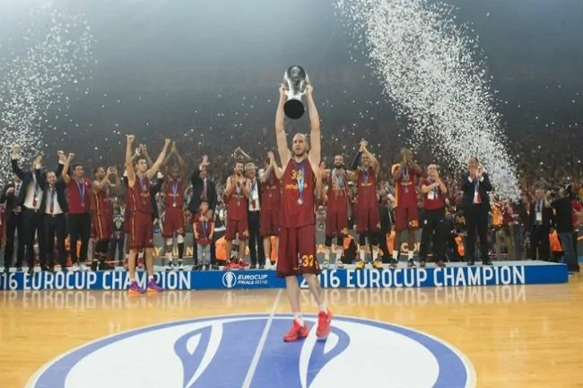 galatasaray-eurocup-trophy