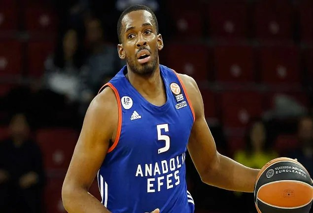 derick-brown-efes