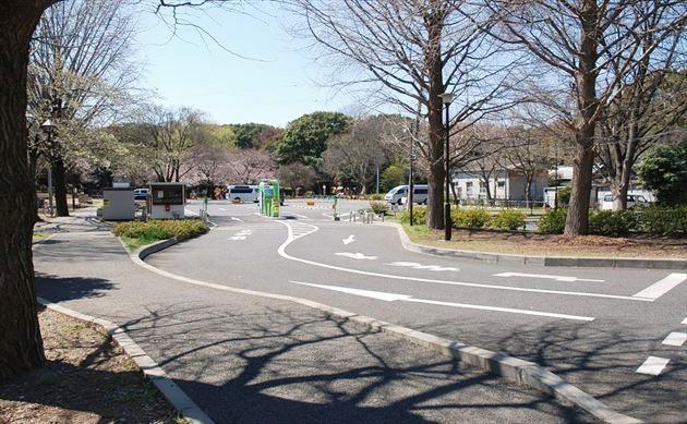 和田堀公園 駐車場の入口