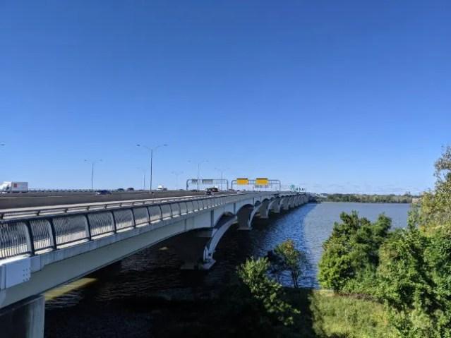 A view of the woodrow wilson memorial bridge multipurpose trail