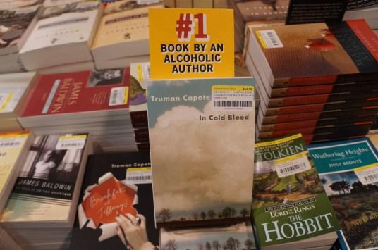 La forma de destacar algunos libros, con humor