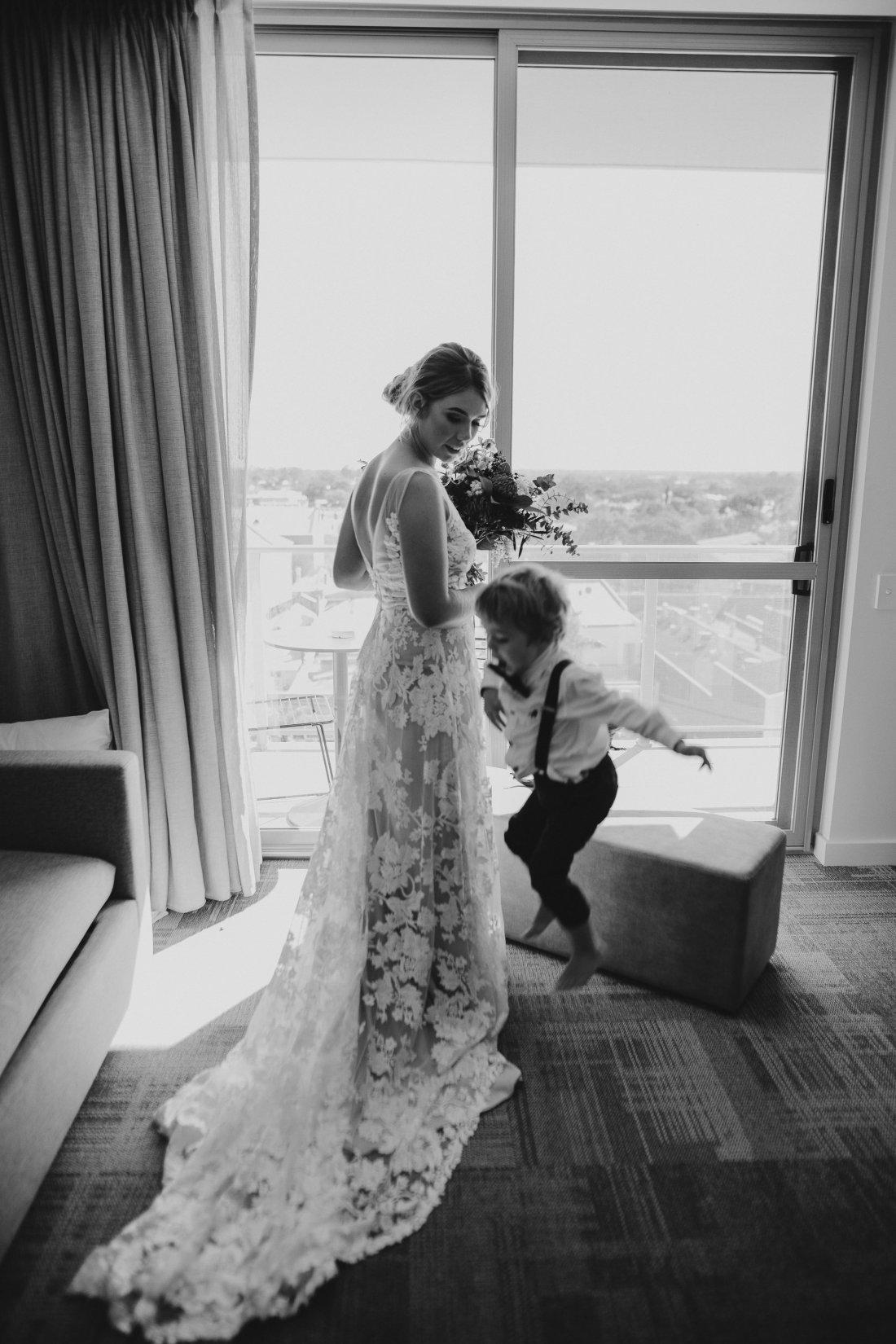 Chapel Farm Wedding Potos | Perth Wedding Photographer | Ebony Blush Photography | Brett + Blythe | 13