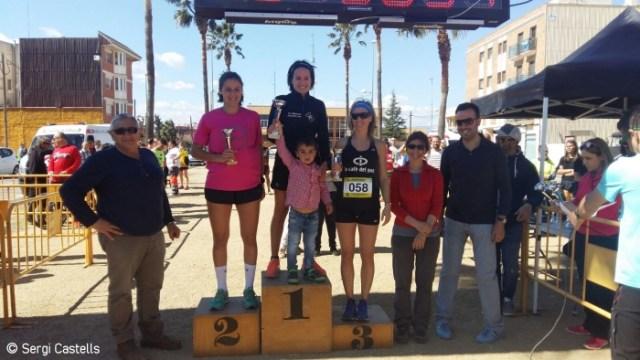 Azziz El Jihaoui i Cèlia Callarisa guanyen la 6a Cursa del Pont de Deltebre   EbreActiu.cat, revista digital per a la gent activa