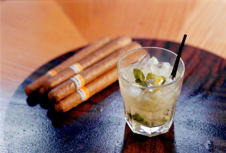 MOJITO - När denna kubanska klassiker är väl gjord är den en fräsch och uppfriskande cocktail.