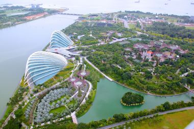 view-from-the-skypark-gardens-by-the-bay-area