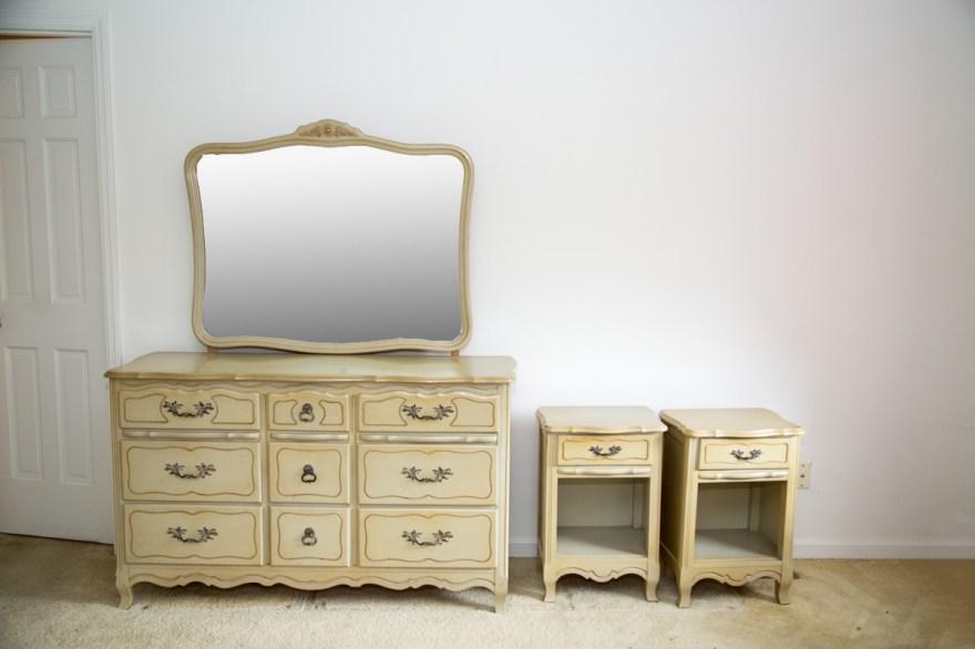 Vintage French Provincial Bedroom Furniture Set EBTH