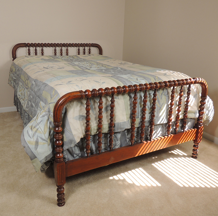 1940s Jenny Lind Spool Bed With Full Mattress And