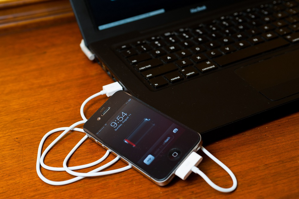 Some Smartphones Are Charged With USB Of a Computer Instead Of Charge With Their Own Charger