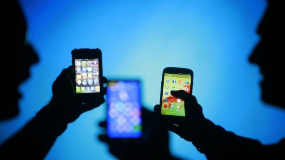 Learn How To Choose Mobile Phone Like a Professional ebuddynews