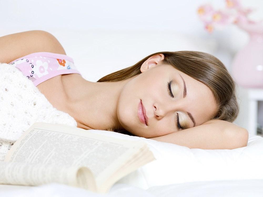 Sleep To Burn Fat Of Your Body Easily - ebuddynews