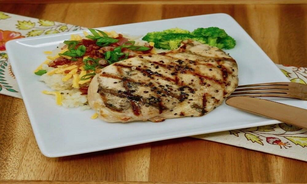 Grilled Chicken with Cauliflower Puree - eBuddy News