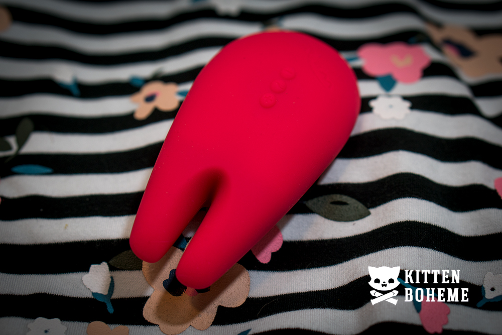 We-Vibe Gala Rechargeable Vibrator Sex Toy Review by KittenBoheme.com