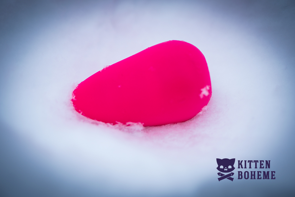 Screaming O Scoop Silicone Vibrator Sex Toy Review by KittenBoheme.com