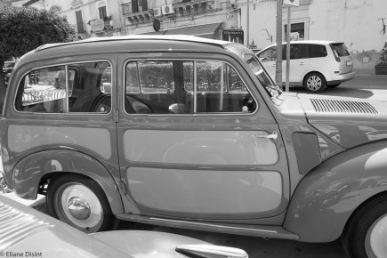 The 500 was declined in more versions as the beautiful, more spacious 500B