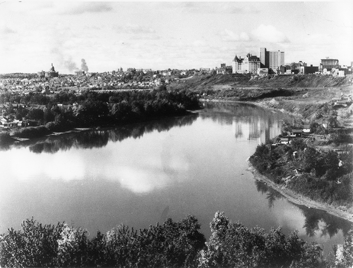 Image of the City of Edmonton skyline with Grierson Dump visible in the upper right hand corner. Photo courtesy of the City of Edmonton Archives EA-303-1.