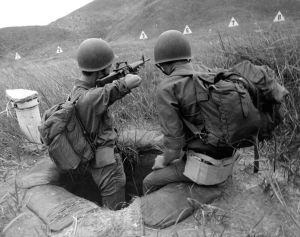 757px-ARVN_Recruit_Trains_with_M16_Rifle
