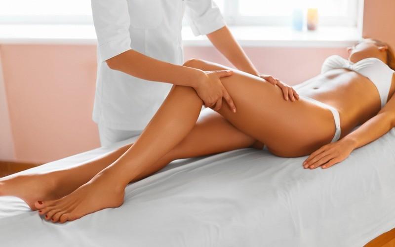Massaggio per combattere la cellulite