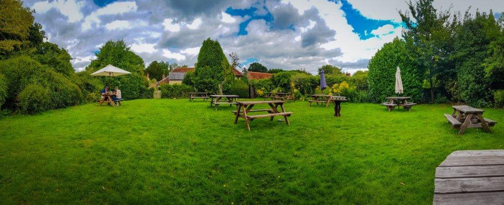 The Swan Fittleworth Beer Garden