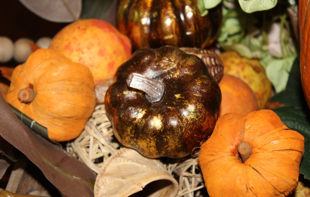 Autumn table centerpiece beautiful pumpkins